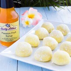 Aunty's Lilikoi Mochi Easy Microwave lilikoi mochi recipe (try with jelly) Hawaiian Desserts, Hawaiian Dishes, Asian Desserts, Hawaiian Recipes, Sashimi, Ono Kine Recipes, Dessert Chef, Snack Recipes, Gourmet