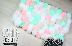 DIY | Do it yourself | By Isnata: DIY - TUTO : Tapis en pompons cocooning