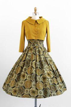 1950s green medallions dress, belt + jacket set by Jonathan Logan #dress #romantic #feminine #fashion #vintage #designer #classic #dramatically #partydress #frock #highendvintage #daydress
