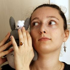 Les Totoros en crochet n'ont pas un sens de l'équilibre très développé... #totoro #amigurumi #totoroamigurumi #peluche #crochet by treflea5feuilles
