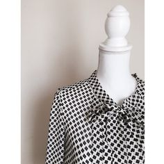 LOFT Chiffon patterned blouse Gorgeous NWOT LOFT blouse with a tie collar. You can wear it tied or untied. Size medium  The mannequin is 22 inches for reference. LOFT Tops