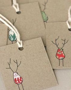 Sweet Christmas gift tags, using fabric scraps. Noel Christmas, Christmas Wrapping, Christmas Gift Labels, Christmas Makes To Sell, Recycled Christmas Cards, Christmas Card Designs, Diy Christmas Gift Tags, Kids Christmas Cards, Recycled Christmas Decorations