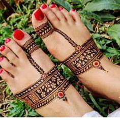 Back Hand Mehndi Designs, Legs Mehndi Design, Latest Bridal Mehndi Designs, Mehndi Designs 2018, Modern Mehndi Designs, Henna Art Designs, Mehndi Designs For Girls, Mehndi Designs For Beginners, Wedding Mehndi Designs