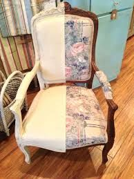 What CAN'T Chalk Paint™ do? you can paint fabric with Chalk Paint! ( Klassen Klassen Seal : Remember those chairs in the Pigeon's Roost, on the landing? Chalk Paint Fabric, Chalk Paint Projects, Chalk Paint Furniture, Fabric Painting, Furniture Projects, Diy Painting, Furniture Making, Furniture Makeover, Cool Furniture