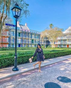 Warm Weather Outfits, Casual Outfits, Louvre, Fair Grounds, French Quarter, Photo And Video, Summer Dresses, Resorts, Building