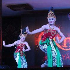 Ratu Graini #sundanese #traditional #dance #westjava #Indonesia #instanesia
