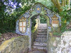 Architecture & Garden Art – Picassiette Mosaic Art – The Little Chapel – Guernsey | Mosaic Art Source