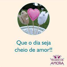 Bom dia!!! Quem tem amor no coração? #amor #carinho #bomdia #artesanato #feitoamao #decoração #decoraçãodecasamento #decoraçãodefesta #noivos #noivado #tecido #tecidodeamora