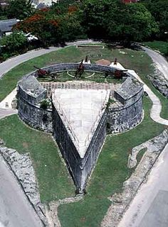 Fort Fincastle, Queens Staircase & Straw Market- Nassau, Bahamas