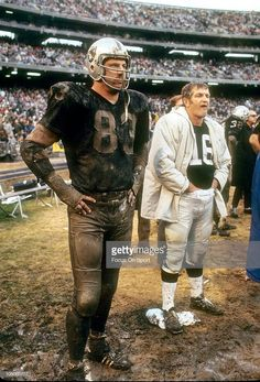 George Blanda (right) watches the action with Ben Davidson. I loved to watch Big Ben play, Love this kind football! This is Raiders football! Raiders Players, Oakland Raiders Football, Raiders Baby, Nfl Oakland Raiders, Okland Raiders, Football Photos, Football Memes, Nfl Football, Sports Photos