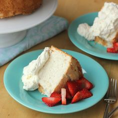 The best-tasting angel food cake you'll ever eat. Light, fluffy and perfect for your favorite desserts. Nobody will ever guess it's gluten-free! Gluten Free Angel Food Cake, Gluten Free Sweets, Gluten Free Cakes, Gluten Free Baking, Gluten Free Recipes, Healthy Recipes, Healthy Chef, Healthy Cooking, Easy Recipes
