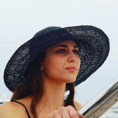 #moda #fashion #womenfashion #instaitalia #instaitaly #italy #fascinator #instagood #instadaily #instalike #madeinitaly #arte #artigianato #artigian #ragazza #style #hatsummer #hat #cloche #accessories #artigianatoitaliano #accessoryaddict #modella #modelle #model #igers #igersoftheday #portrait #love #girl