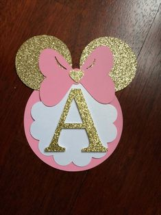 minnie mouse *** please leave the date of your event*** Super adorable Minnie Mouse Banner. Light pink color with gold glitter. This banner will bring so much cuteness to your event. Decoration Minnie, Minnie Mouse Birthday Decorations, Minnie Mouse First Birthday, Minnie Mouse Baby Shower, Minnie Mouse Pink, Mickey Birthday, 1st Birthday Girls, Happy Birthday, Mickey Mouse