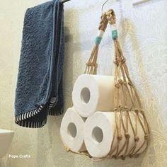 ideas for Rope toilet paper holders for bathrooms – diy bathroom ideas Macrame Art, Macrame Projects, Macrame Knots, Macrame Modern, Rope Crafts, Diy Crafts, Creation Deco, Macrame Plant Hangers, Macrame Tutorial