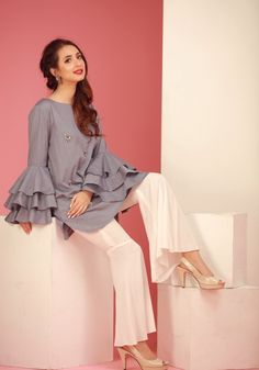 Eid fashion trends for bell sleeves Pakistani Fashion Casual, Pakistani Dresses Casual, Indian Fashion Trends, Pakistani Dress Design, Pakistani Clothing, Stylish Dresses, Simple Dresses, Casual Dresses, Fashion Dresses