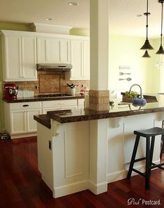 kitchen remodel. Renovation. Pillar. Breakfast bar