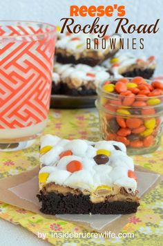 Reeses Rocky Road Brownies from insidebrucrewlife. - brownies topped with marshmallows, peanuts, and two kinds of Reeses candies Peanut Butter Desserts, No Bake Desserts, Just Desserts, Delicious Desserts, Dessert Recipes, Yummy Food, Dessert Healthy, Reese's Recipes, Sweet Recipes