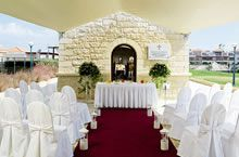 Celebrate your big day abroad with a TUI Wedding. We know every bride and groom is different which is why we offer weddings in over 16 destinations. Luxury Wedding Venues, Wedding Venues Texas, Beautiful Wedding Venues, Dream Wedding, Children's Place, Wedding Ceremony, Wedding Inspiration, Table Decorations, Crete