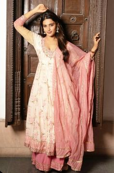 Indian Film Actress, South Indian Actress, Indian Actresses, Indian Designer Suits, Designer Gowns, Kurta Palazzo, Celebrity Photography, Indian Gowns Dresses, Indian Models