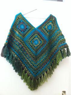 c58b223af79f51945a70220edfd1bf7b.jpg 716×960 pixels Crochet Granny, Love Crochet, Poncho Crochet, Crochet Shawls And Wraps, Poncho Shawl, Granny Square Crochet Pattern, Crochet Gifts, Crochet Scarves, Crochet Yarn