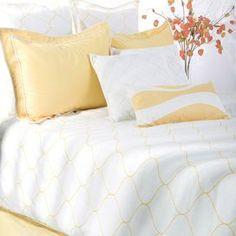 Latticework-print cotton bedding set in yellow and white.