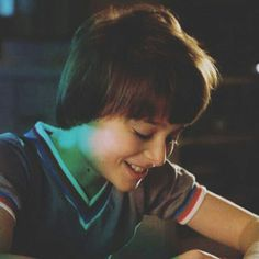 Read Noah Schnapp I from the story 𝐒𝐓𝐑𝐀𝐍𝐆𝐄𝐑 𝐓𝐇𝐈𝐍𝐆𝐒 𝐅𝐀𝐂𝐓𝐒 & 𝐍𝐄𝐖𝐒. Future Boyfriend, To My Future Husband, Stranger Things Characters, I Hug You, Noah, Stranger Things Aesthetic, Will Byers, Actors Images, Draw On Photos