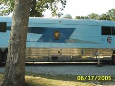 CONWAY TWITTY BUS Country Artists, Country Singers, Country Music, Hello Darlin, Coach Travel, Conway Twitty, Harold Lloyd, Busses, Guy Stuff