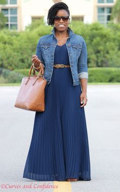 Curves and Confidence | Inspiring Curvy Women One Outfit At A Time: Weekend Wear: Pleated Maxi
