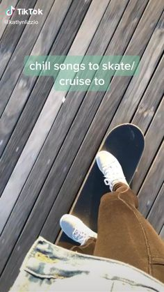 Beginner Skateboard, Skateboard Videos, Skateboard Design, Skateboard Girl, Penny Skateboard, Music Mood, Mood Songs, Skate Girl, Skate Style Girl