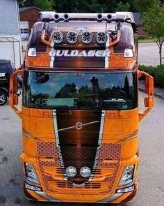 Train Truck, Road Train, Show Trucks, Big Rig Trucks, Scania V8, Old Wagons, Truck Paint, Diesel Cars, Volvo Trucks