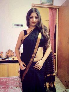 Indian Navel, Saree Navel, Black Saree, Actress Pics, Beautiful Women Pictures, India Beauty, Indian Sarees, Bun Hairstyles, Women Lingerie