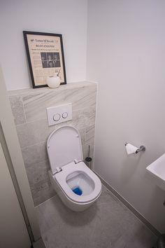 Toilet De Eerste Kamer Bathroom Inspiration, Interior Inspiration, Toilet, Bedroom, Litter Box, Bedrooms, Toilets, Master Bedrooms, Dorm