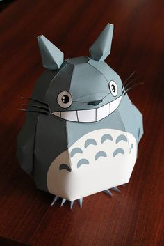 Totoro Papercraft - template can be downloaded here: goo.gl/yARVq