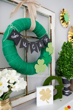 Craftaholics Anonymous® | St. Patrick's Day Wreath from burlap and felt