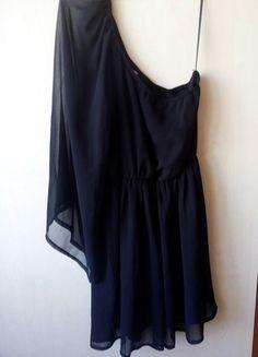 Kup mój przedmiot na #vintedpl http://www.vinted.pl/damska-odziez/krotkie-sukienki/11118490-sukienka-czarna-new-look-nowa