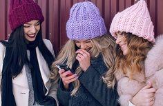 WEBSTA @ woolandmania - Привет дорогие Не занесло вас ноябрьским снегом или уже успели утеплиться? Если нет, то вот вам фото для вдохновения Шапочки из #KeepCalmThisWool #WoolandMania работа @knit_fairy А какой цвет из этих трех нравится вам?