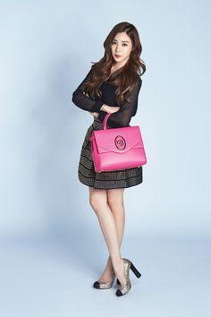 Tiffany for Louis Quatorze Tiffany Girls, Snsd Tiffany, Tiffany Hwang, Fashion Idol, Pop Fashion, Girl Fashion, Snsd Fashion, Girls' Generation Tiffany, Girls Generation