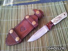 - BANDOLERO- FUNDAS DE CUERO - HECHO A MANO EN ESPAÑA. LEATHER SHEATHS HANDMADE IN SPAIN- - Bienvenido a mi blog, os presento mis fundas para cuchillos, herramientas y otros trabajos en cuero. Todo hecho a mano y a medida. Nos vemos tambien en Facebook! ------------------------------------- contacto: cuerobandolero@gmail.com