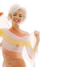 Para celebrar su décimo aniversario, la galería parisina Galerie de l'Instant inaugura una exposición sobre la inolvidable Marilyn Monroe.