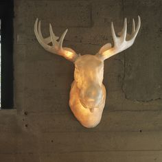 Moo is a full scale wall–mounted Norwegian moose head light. Moo may be used for both indoor and outdoor decoration. The figuratively shaped lamp body is made of poly–resin material, that gives a smooth and transparent flow of light. Unique Lighting, Outdoor Wall Lighting, Lighting Design, Lighting Ideas, Berlin Design, Moose Head, Stag Head, Muuto, Original Design