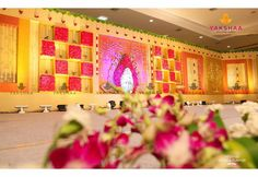 Desi Wedding Decor, Indian Wedding Receptions, Wedding Hall Decorations, Marriage Decoration, Backdrop Decorations, Backdrops, Reception Stage Decor, Wedding Stage Backdrop, Flower Garland Wedding