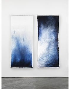 Anna Badur - Drawn by Nature ('Drawn by Nature' is a project where natural forces draw textile. The textile is made by blue pigments that are blown over wet fabric, resulting in unique patterns.)