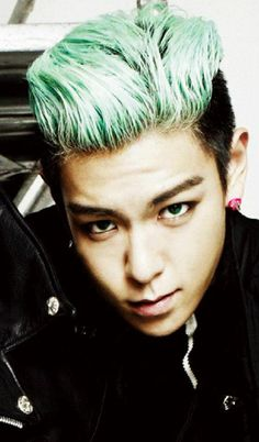 T.O.P (탑) of Big Bang (빅뱅). These young men have a hypnotic effect on me.