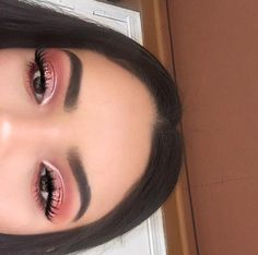 make up natural;make up glitter;make up catrina;make up inspo;make up brushes;make up samples; Pink Makeup, Glam Makeup, Makeup Inspo, Eyeshadow Makeup, Makeup Inspiration, Hair Makeup, Metallic Eyeshadow, Beauty Makeup, Makeup Ideas