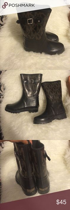 Shop Women's Michael Kors size 6 Shoes at a discounted price at Poshmark. Description: Mk boots size Sold by Fast delivery, full service customer support. Mk Boots, Cowboy Boots, Michael Kors Shoes, Fashion Design, Fashion Tips, Fashion Trends, Handbags, Accessories, Collection