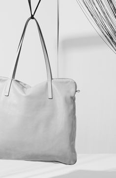 Amber Leather Tote Bag in Grey | Ally Capellino