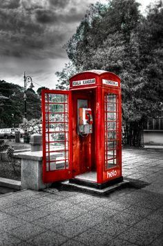 Red telephone box by uzair ar on värivalokuvaus, mustavalkoinen valok Splash Photography, Color Photography, Black And White Photography, Color Splash, Color Pop, Black And White Pictures, Black And White Colour, Red Black, Shades Of Red