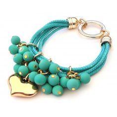 Pulsera con Caucho y Dije de Corazón Rope Jewelry, Leather Jewelry, Pearl Jewelry, Jewelry Art, Beaded Jewelry, Jewelery, Jewelry Bracelets, Jewelry Accessories, Handmade Jewelry Designs