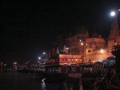 #magiaswiat #podróż #zwiedzanie #varanasi #blog #azja #zabytki #swiatynia #indie #miasto #aszram #ganges #budda #ganges #ghaty #benares Budda, Varanasi, Times Square, Dolores Park, Indie, Blog, Travel, Viajes, Blogging