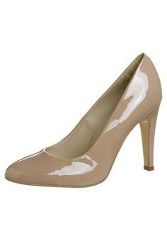 Les 22 meilleures images du tableau Chaussures sur Pinterest   Court ... 98948fe72e7c
